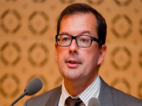 Raymond LE MOIGN, Sous DRH du système de santé à la DGOS du Ministère de la Santé.